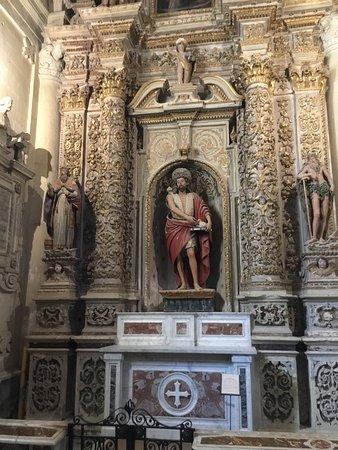 Duomo di Lecce: Time-consuming art.
