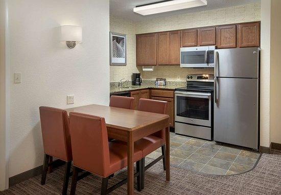 Cranbury, NJ: Guest room