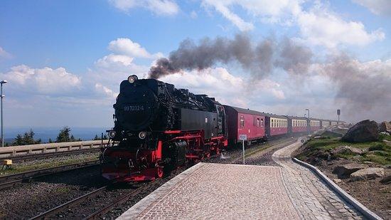 Harzer Schmalspurbahnen: ブロッケン山頂到着