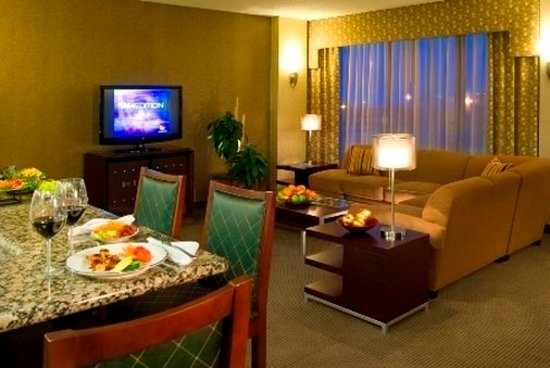 Crowne Plaza Indianapolis Airport: Other