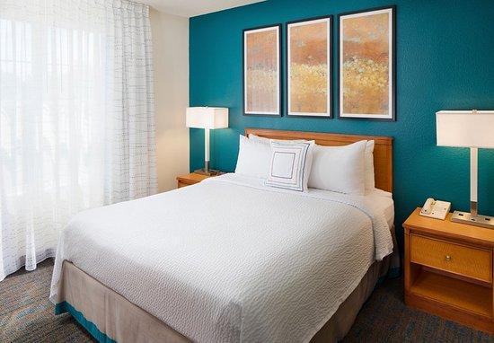 Saddle River, NJ: Guest room