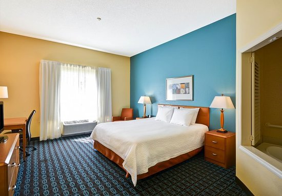 Fultondale, ألاباما: Guest room