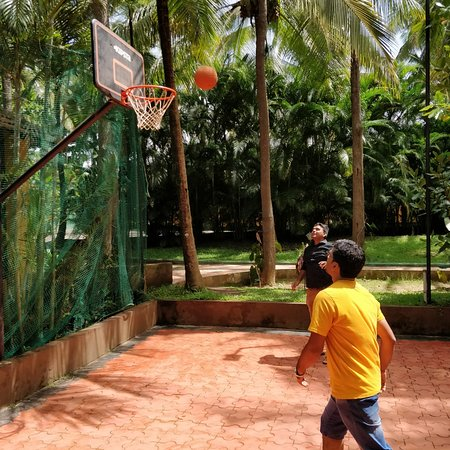 Parampara Resort & Spa, Coorg : Basketball