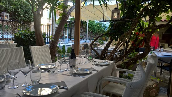 Restaurante Pizzeria El Jardin : Beautiful setting