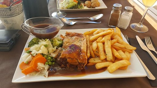 beef pie - Picture of Mel's Kitchen