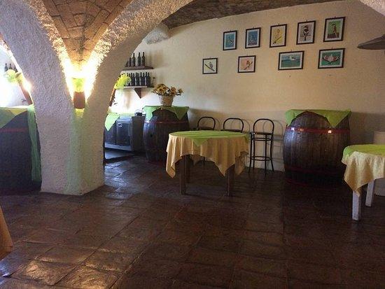 Paliano, Italy: La Sala delle Volte....un antico granaio