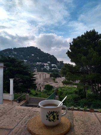 Hotel La Tosca: la quiete assoluta dal terrazzino del nostro appartamento