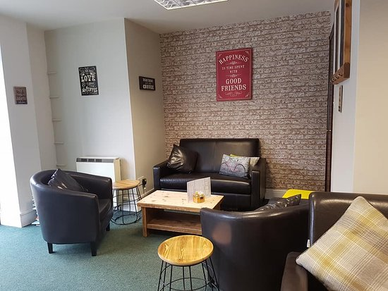 Attleborough, UK: Sit & chat in our Lounge