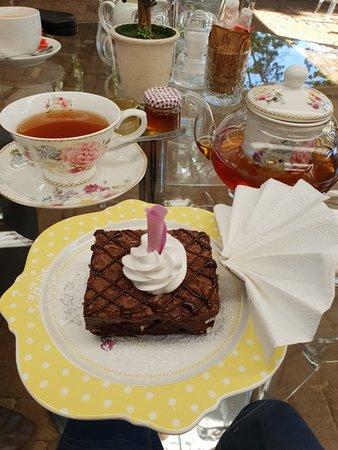 Tzaneen, Sydafrika: Earl grey tea served in these beautiful tea pot ;)