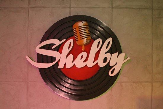 Shelby Karaoke: Вывиска