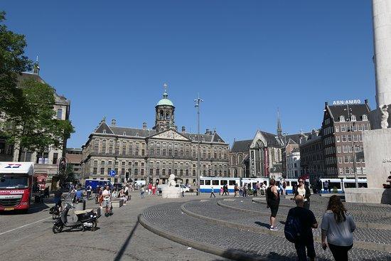Amsterdam Walking Tour: Dam Square