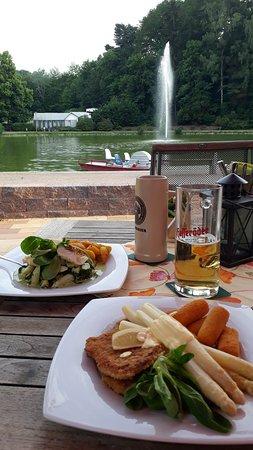 Döbeln, Alemanha: Schnitzel und Fisch
