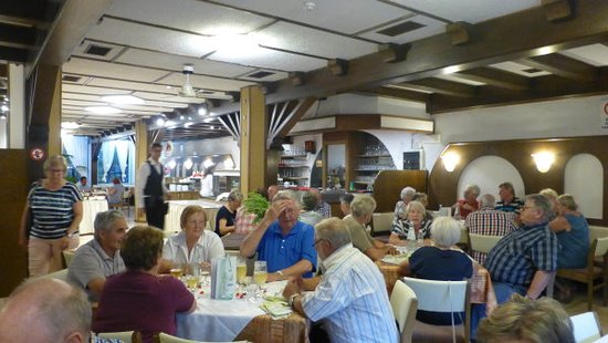 Ora, Ιταλία: Very good breakfast buffet and a large salad bar in the evenings