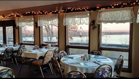 Clarksville, Миссури: Good food and good view.