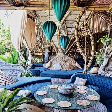 Akasha Bali: photo0.jpg