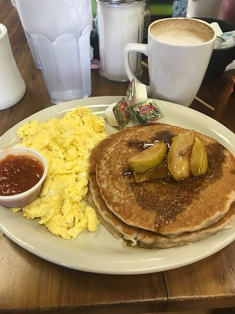 Grapevine Cafe & Coffeehouse: GF Apple Cinnamon Pancakes