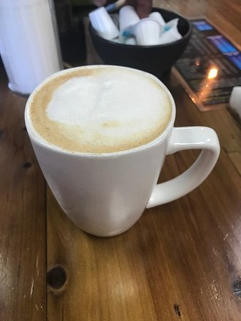 Grapevine Cafe & Coffeehouse: Almond Milk Latte