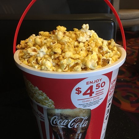 Cinemark Altoona and XD: FRESH kettle corn. And recliners.