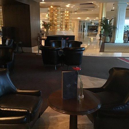 Lobby & Lounge Bar