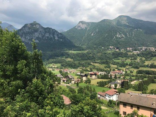 Crotto ai Castagneti: La vista dal ristorante verso nord