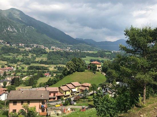 Crotto ai Castagneti: La vista dal ristorante verso sud