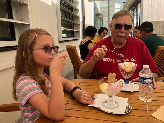 Stiftsrestaurant Melk: Some of us had ice cream sundaes