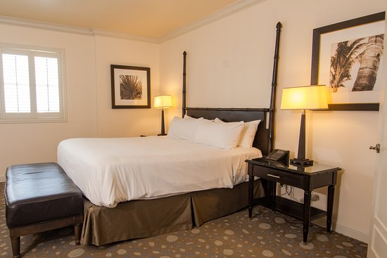 The Atlantic Hotel & Spa: City View One Bedroom Suite Bedroom