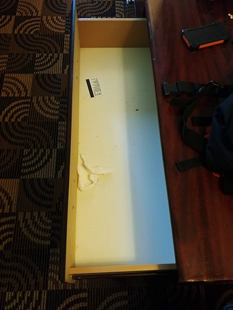 Baymont by Wyndham Whitewater : Garbage, room key, dirt leftover from previous occupant