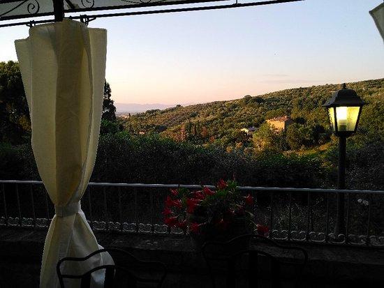 Paciano, Italy: IMG_20180618_201231_large.jpg