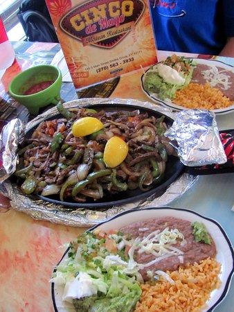Smiths Grove, KY: Cinco De Mayo Steak Fajita for 2.. good..! by Carl H. =)~
