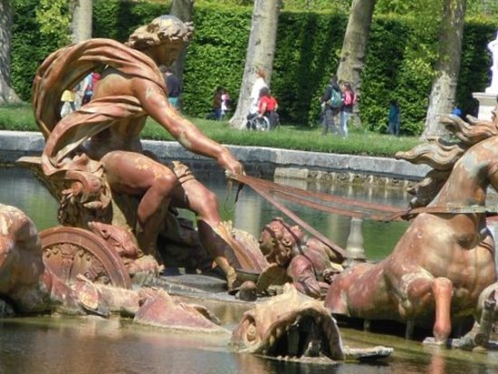 Versailles, France: Détail de la sculpture