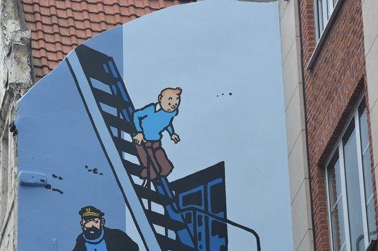 Hotel Albert: Local street art