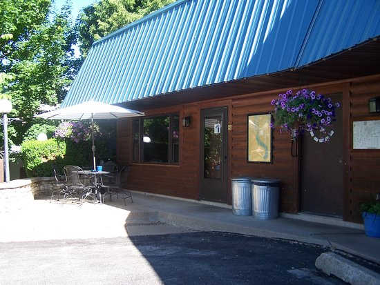 Ferryville, WI : Room #1 with private patio - spectacular!