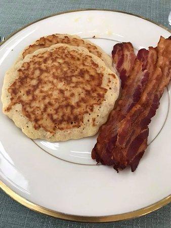 Inn at Old Virginia: Yummy breakfast