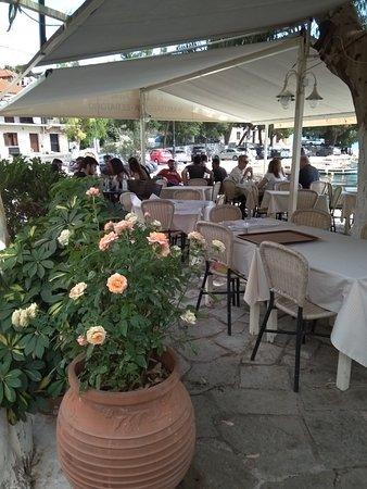 Monastiraki, Greece: Πανσέλ...Oινος