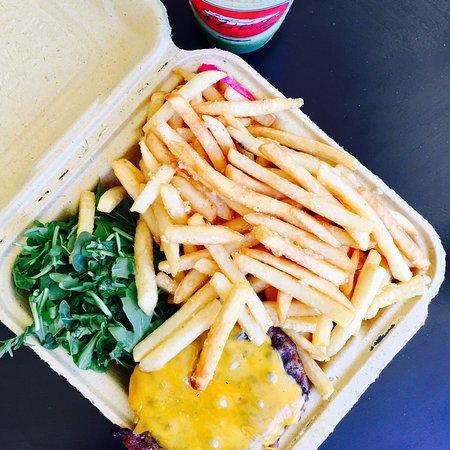Wild Oak Cafe: Half Pound Burger w/ Garlic Fries & Kalicious Smoothie