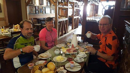 Barby, Jerman: Gasthof Zum Rautenkranz breakfast