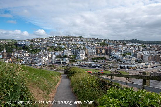 The Osborne Hotel: Ilfracombe from the hill.