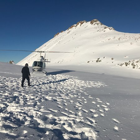 Air Safaris: Best experience at Mt Cook highest point by helicopter