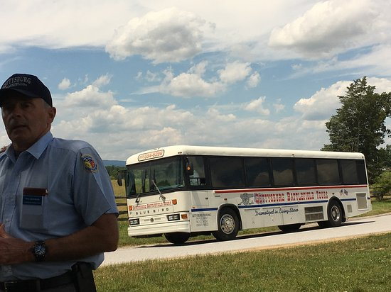 Gettysburg Battlefield Bus Tours: Our guide and bus.
