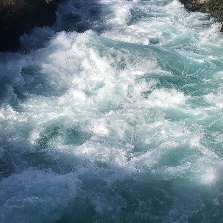 胡卡瀑布照片