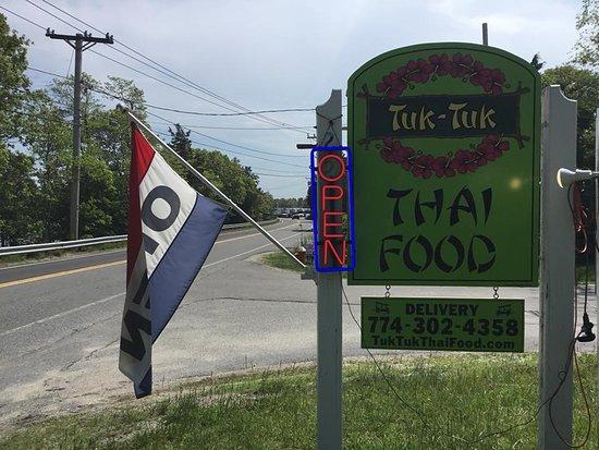 Buzzards Bay, MA: www.tuktukthaifood.com