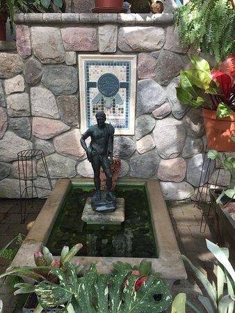 Cranbrook House and Gardens: Garden of Serenity