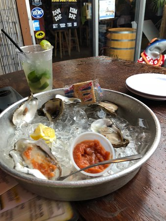 Zogg's Raw Bar & Grill Picture