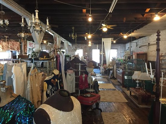 Uncle Sam's Antique & Collectibles