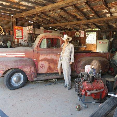 Hackberry, AZ: The Garage