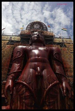 Sravanabelagola, Ινδία: 57 foot statue of Lord Bahubali
