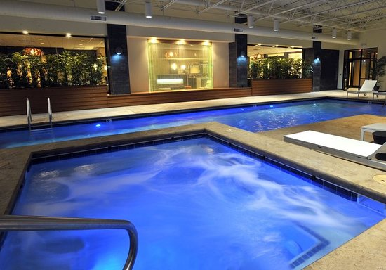 Charleston, WV: Pool