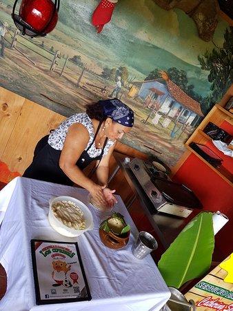 Grecia, Costa Rica: Algunas fotos de comidas. Bebidas y postres...