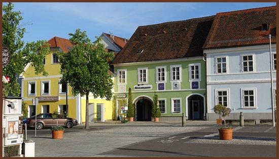 Eingang vom Hauptplatz in Feldbach.